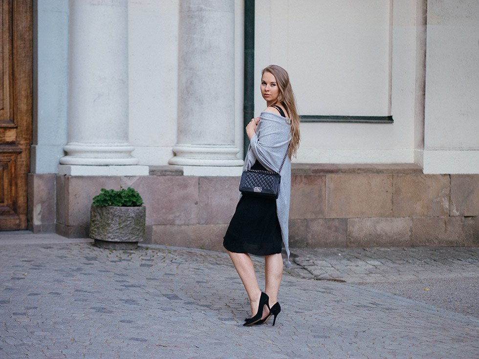 dinner outfit, black dress Massimo Dutti