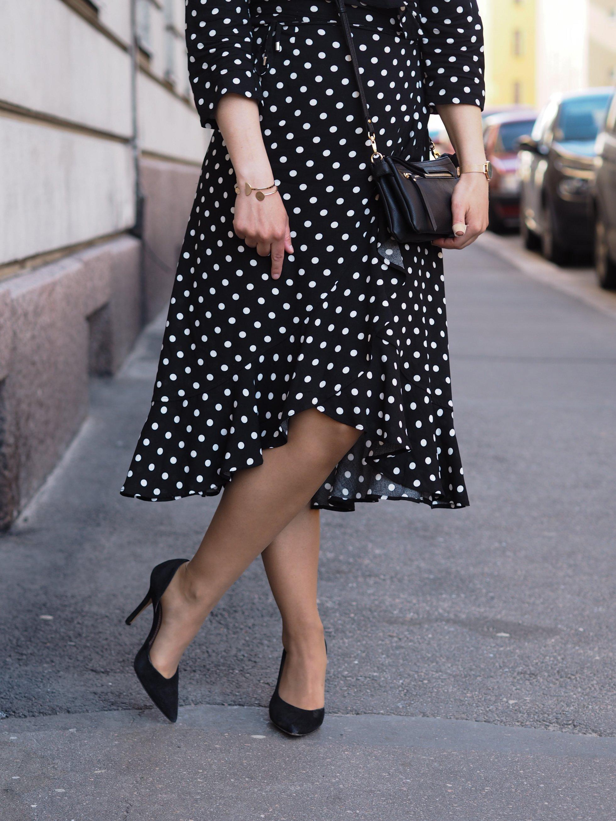 Polka dot dress @monavisuri
